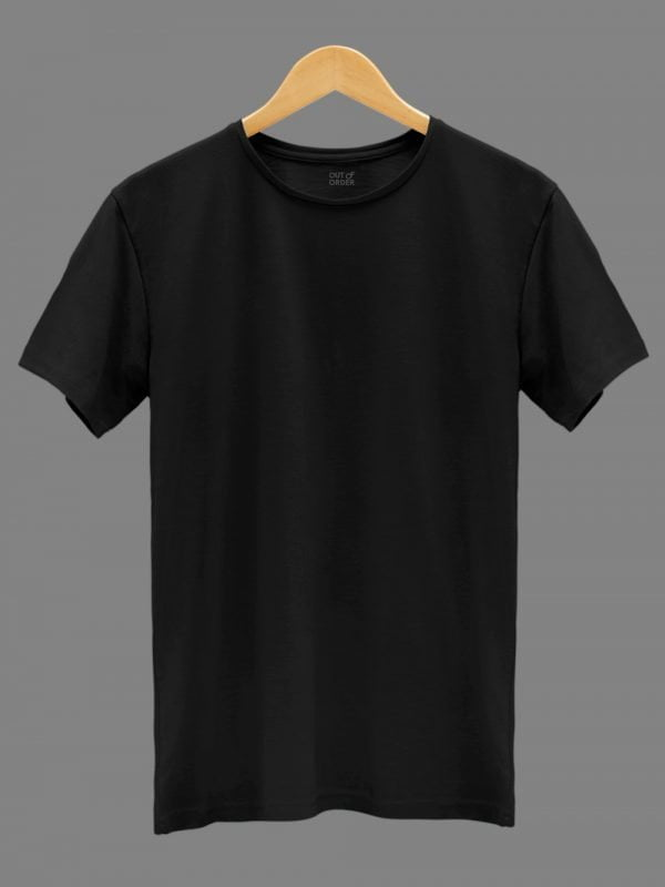 Men's Black T-shirt. Round Neck and Half Sleeves